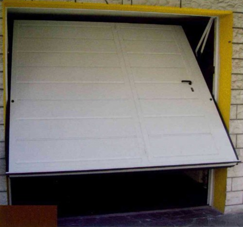 Chiusura Garage - L'A.M.I. di Crudi Luciano & C. S.A.S